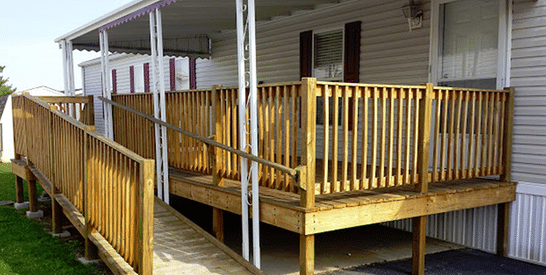 deck with ramp